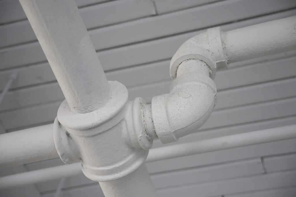 industry-pipe-white-2455